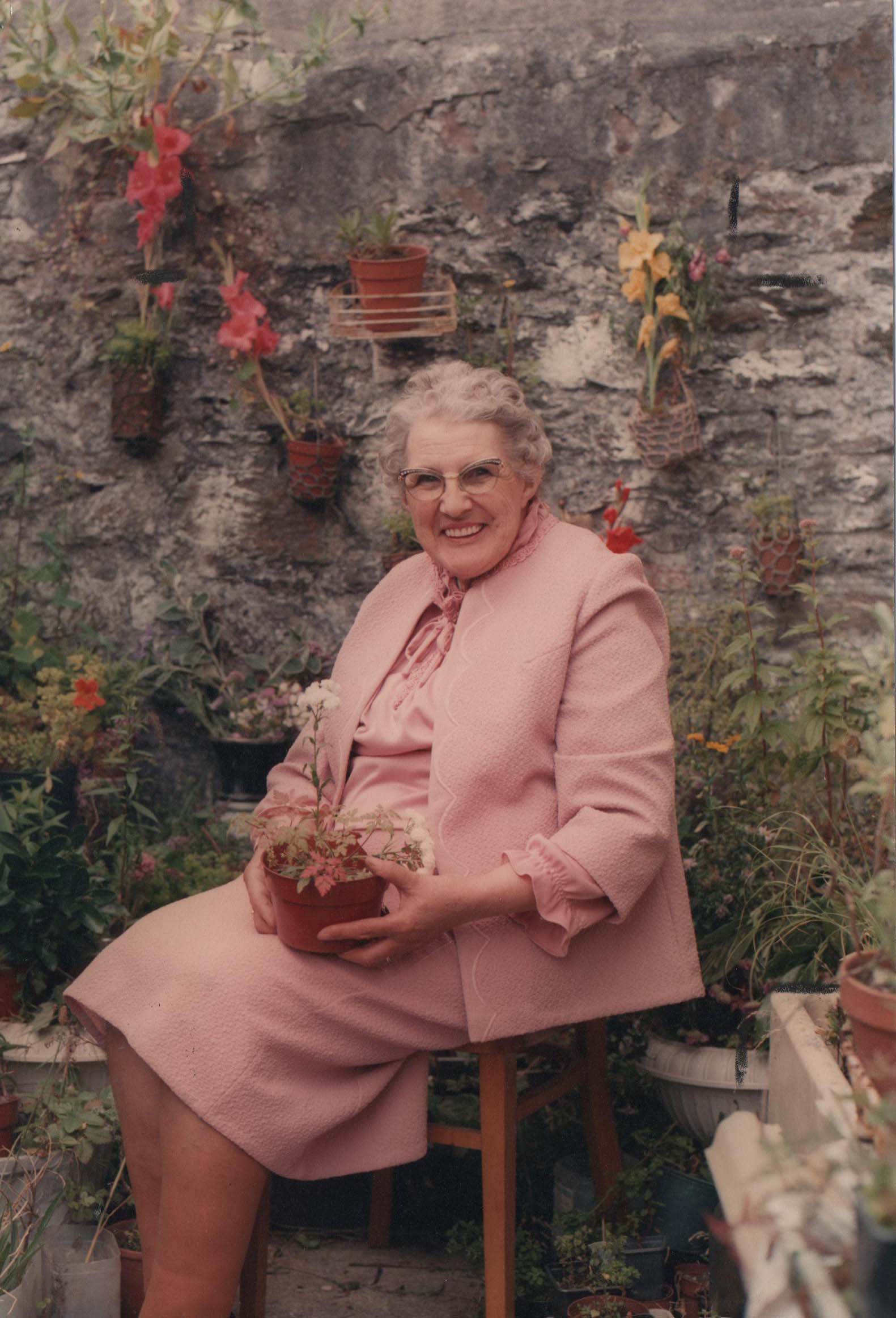 Freda Simpson Herb researcher 1987